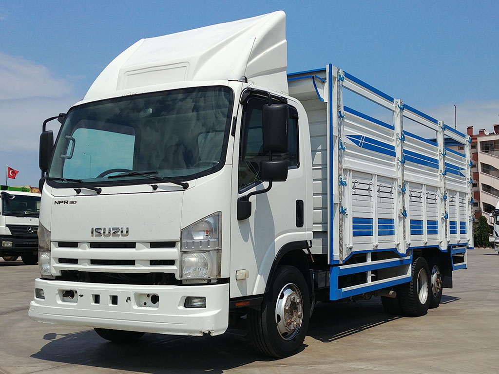2011 MODEL ISUZU NPR 3D - 8 WHEELS - OPEN CASE