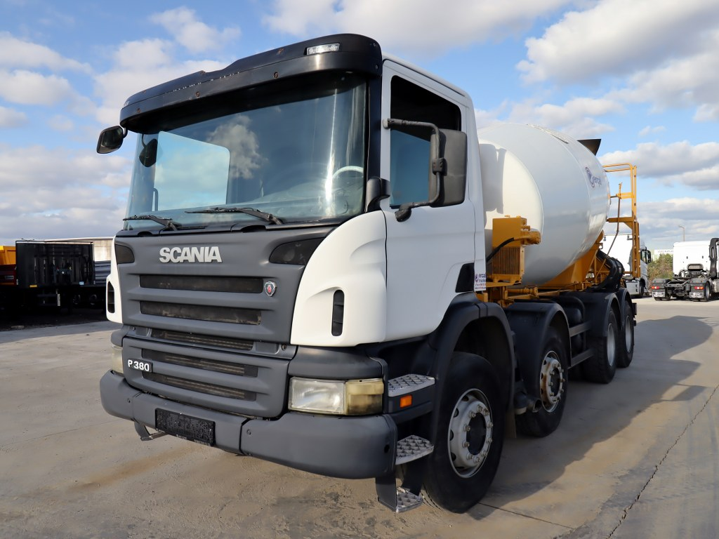 2011 MODEL SCANIA P 380 E4 8X4 - CONCRETE MIXER