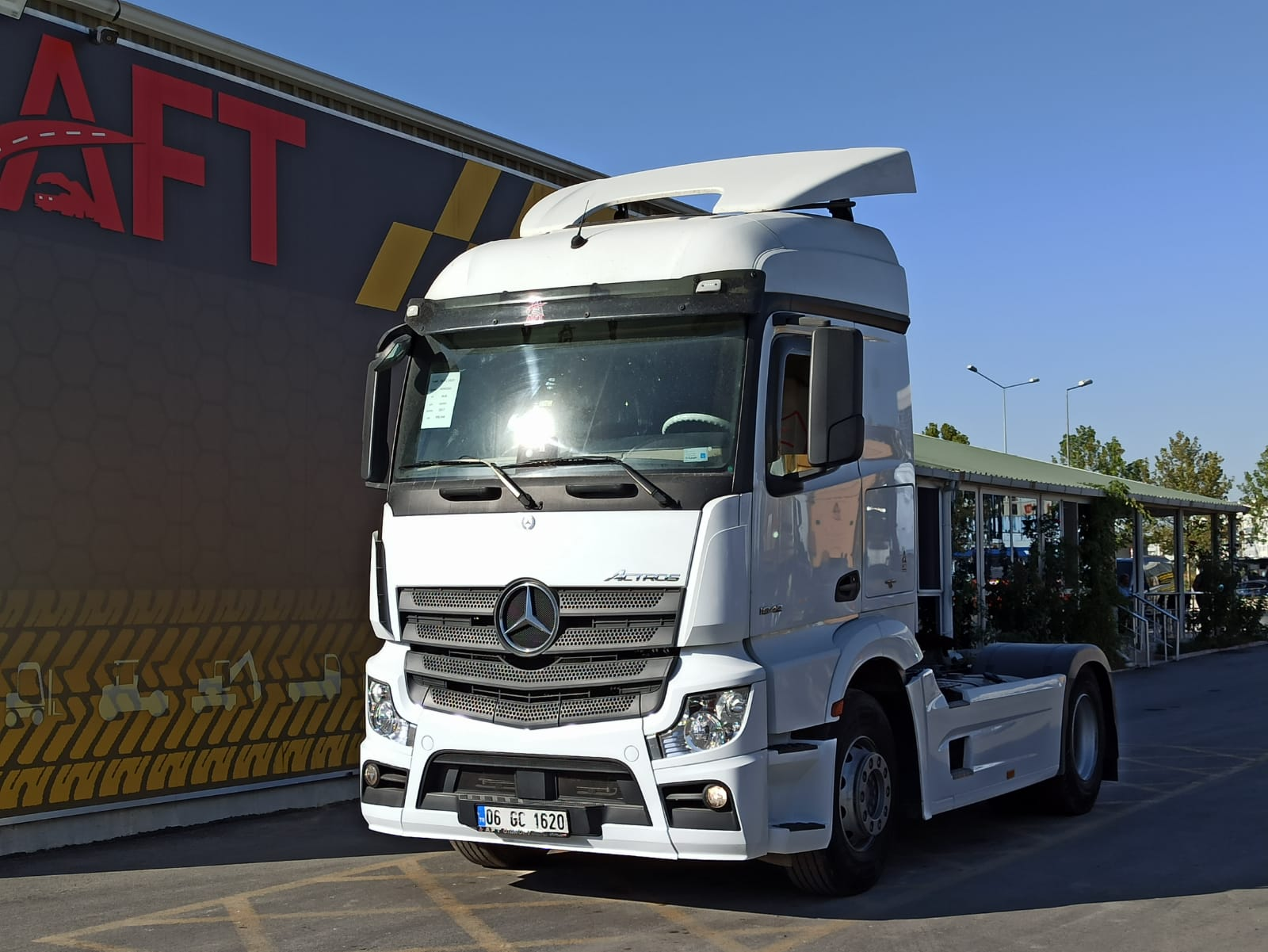 2017 MODEL MERCEDES ACTROS 1842 AUTO - AC - RETARDER
