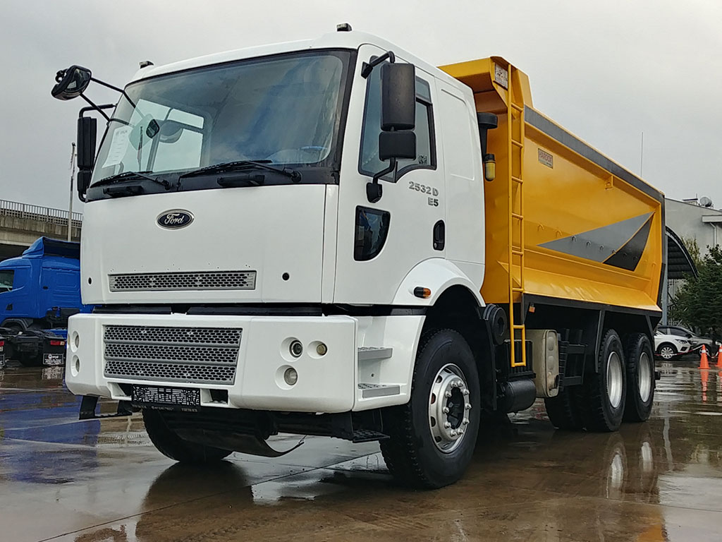 2011 MODEL FORD CARGO 2532 - HARDOX - AIR CONDITIONING