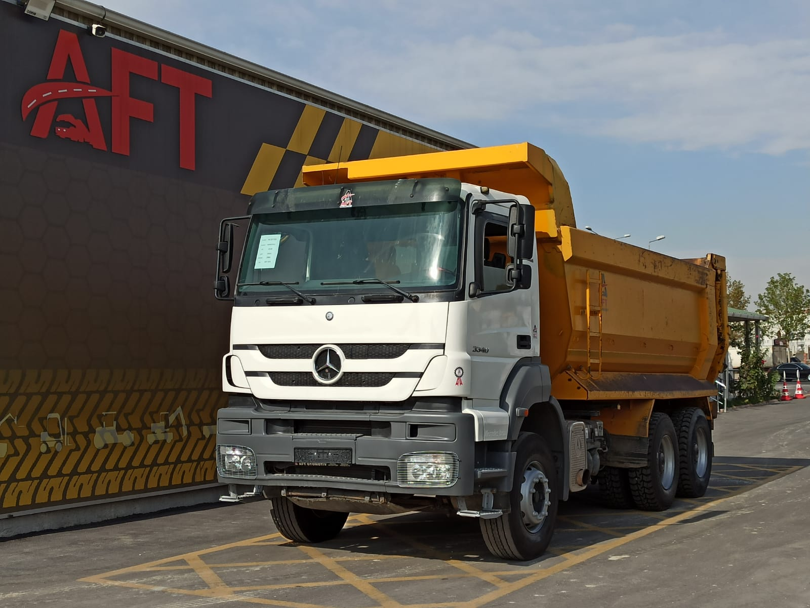 2006 MODEL MERCEDES AXOR 3340 HARDOX TIPPER