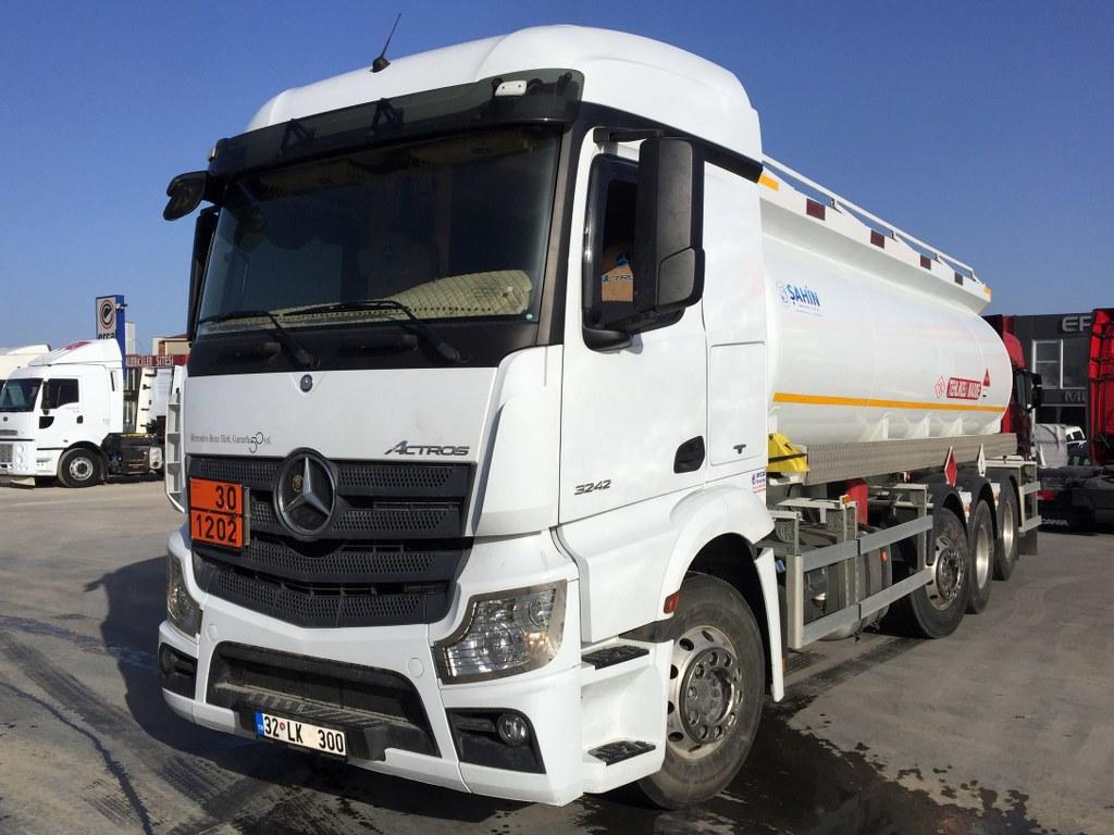2018 Mercedes Arocs 3242/Auto Ac Adr 4 Eyes